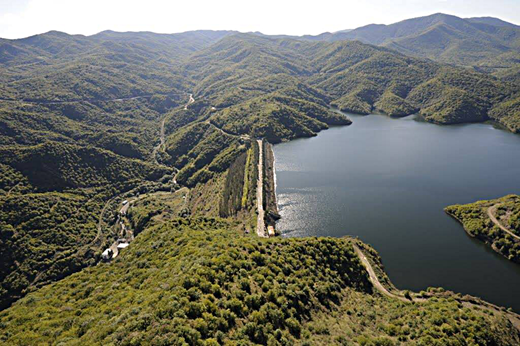 A recent view of the Sarsang reservoir.