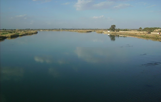 Euphrates in the town of Abukamal, 10 km from the border with Iraq (February 2011).