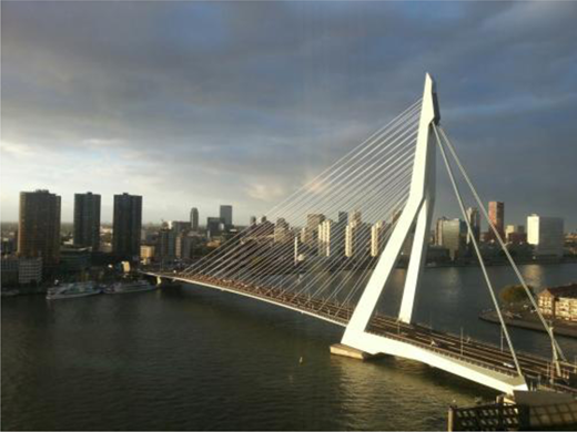 Rotterdam with its waterfront location (image Arnoud Molenaar).